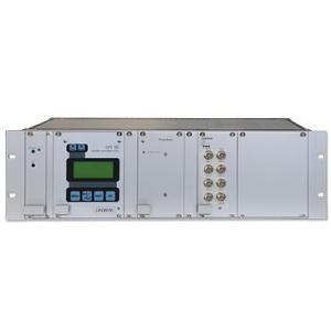 Meinberg GPS-BGT: GPS сателитен приемник в корпус за монтиране в стелаж